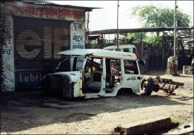 Car wreck in Agra (Aug. 2005)