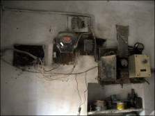 Only in India: Electrical work in Khajuraho (Mar. 2008)