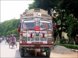 Happy truck (Varanasi, Aug. 2009)
