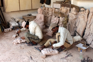 Stone carving artists in Khajuraho
